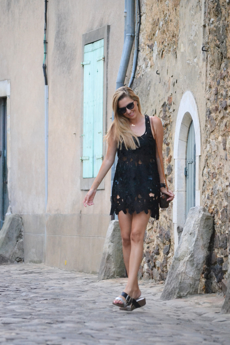Le_Mans_Black_Dress_Sandals_Louis_Vuitton_Mini_Speedy_Lara_Martin_Gilarranz_Bymyheels (13)