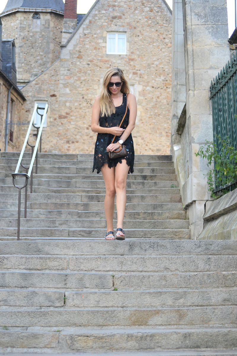 Le_Mans_Black_Dress_Sandals_Louis_Vuitton_Mini_Speedy_Lara_Martin_Gilarranz_Bymyheels (4)