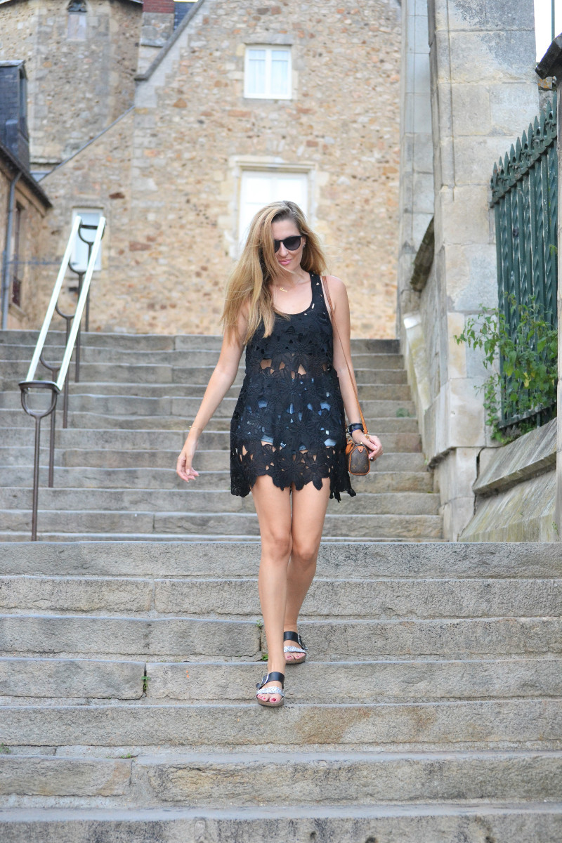 Le_Mans_Black_Dress_Sandals_Louis_Vuitton_Mini_Speedy_Lara_Martin_Gilarranz_Bymyheels (5)