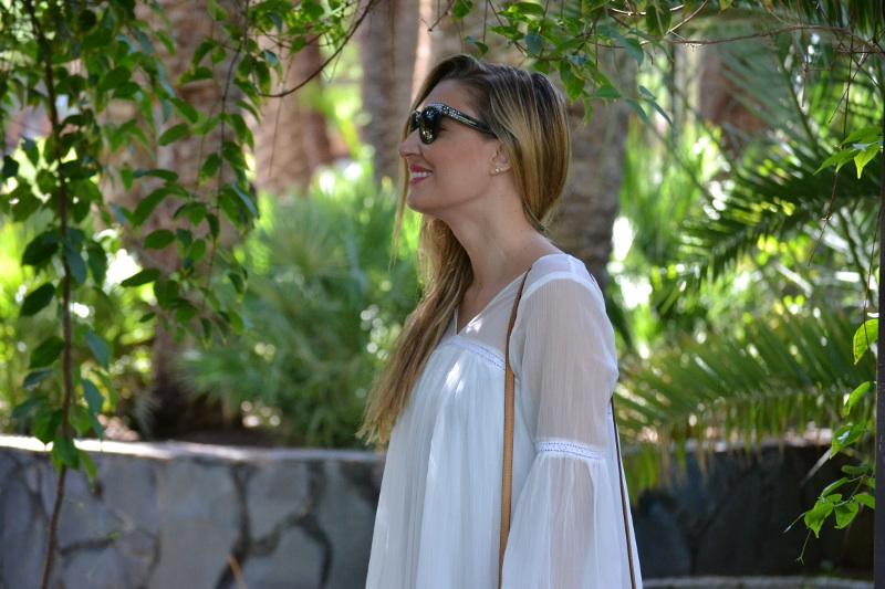 white_dress_gran_canaria_boots_pochette_eva_louis_vuitton_lara_martin_gilarranz_bymyheels-38
